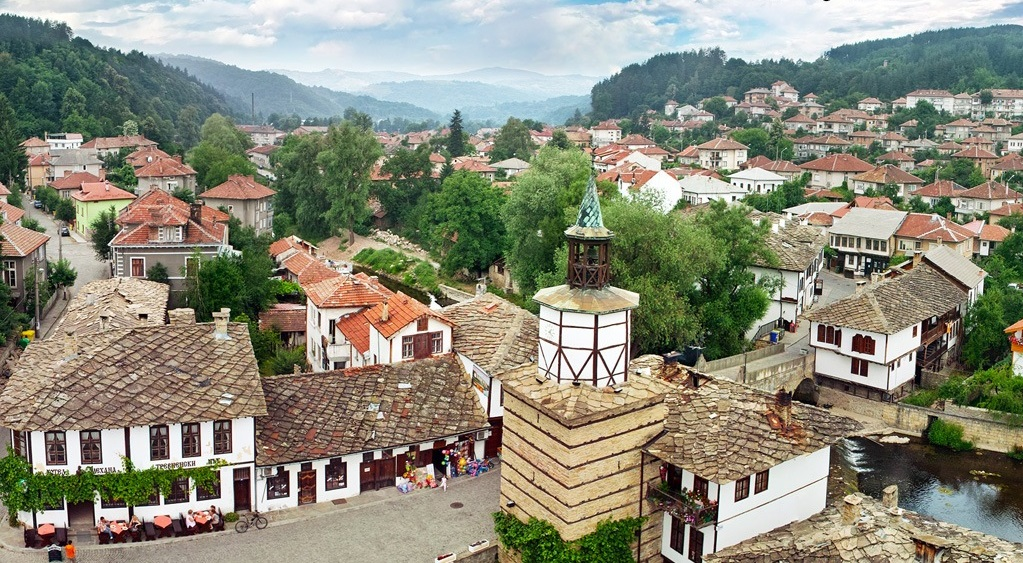Aerial view of Tryavna, between forested mountains